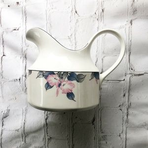 [Royal Doulton] Bloomsbury China Breakfast pitcher